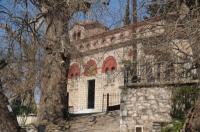 Ιερός Ναός Κοιμήσεως της Θεοτόκου στην Πλατανόβρυση (Παναγιά της Μέτζενας)